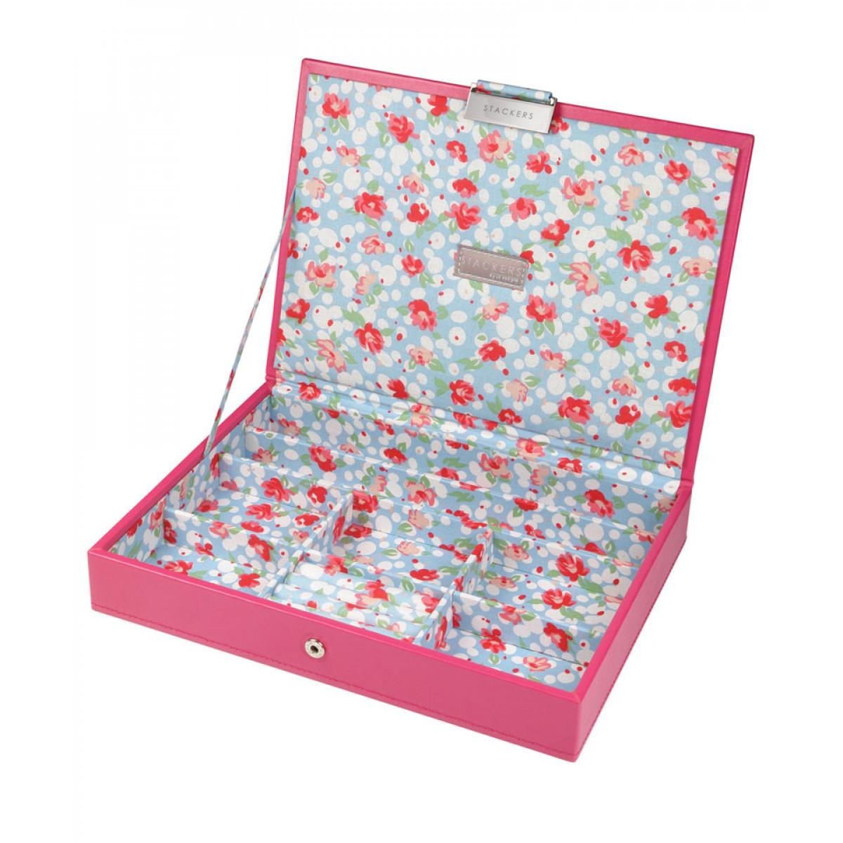 cutie bijuterii capac deschis